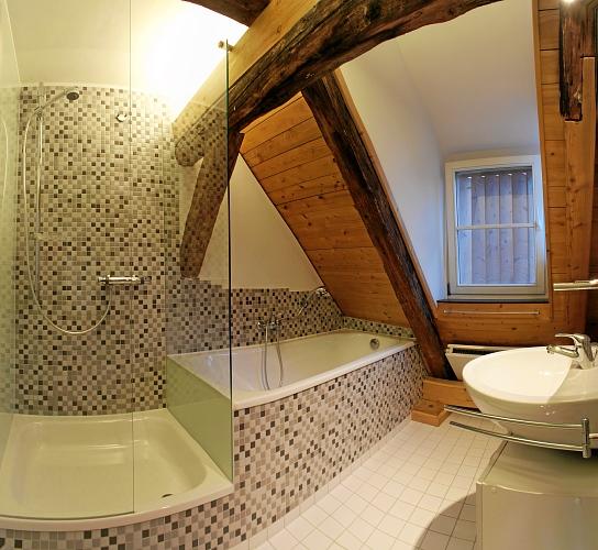 das kleine bad das kleine bad das kleine bad barbara maxonus das kleine bad ist eine gro e. Black Bedroom Furniture Sets. Home Design Ideas